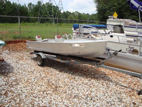 1980 aluminum fishing boat Image